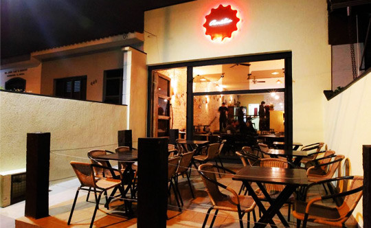 Fachada do Bar Amélia Tapas & Beliscos