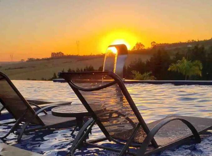 Sitio com piscina e vista incrivel em Aracoiaba da Serra Casa de campo inteira hospedado por Wagner 10 hospedes